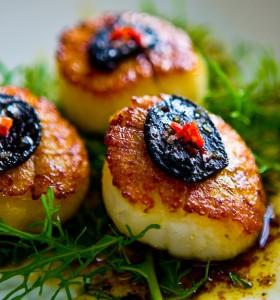black-garlic-scallops